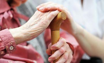 как попасть в дом для престарелых