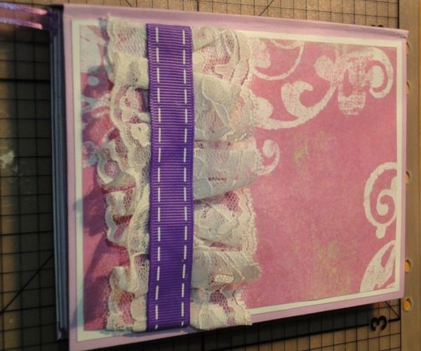 Украшаем блокнот лентой и кружевом. Фото с сайта http://www.happy-giraffe.ru/