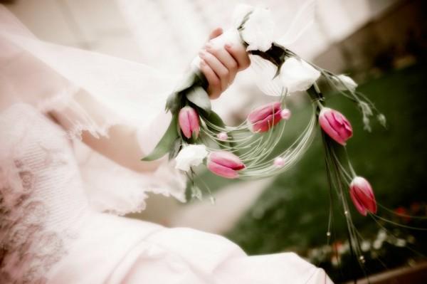 Необычный свадебный букет — оригинальное исполнение. Фото с сайта dotalis.ru.com