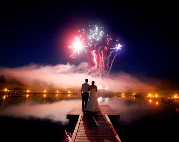 Незабываемая свадьба с фейерверком. Фото с сайта piro.ru