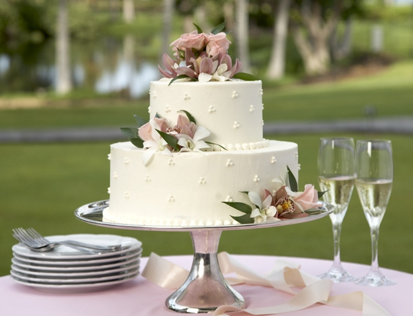 Выбираем торт на свадьбу. Фото с сайта http://www.millionpodarkov.ru
