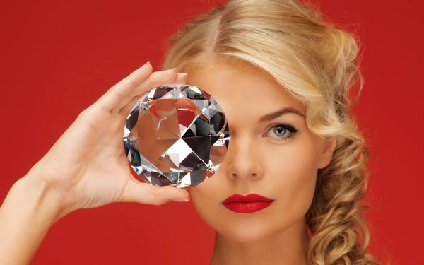Выбираем подарок жене. Фото с сайта http://www.kartinki24.ru