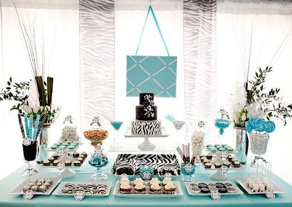Оформление в соответствии со стилистикой торжества. Фото с сайта www.svadba-inform.ru
