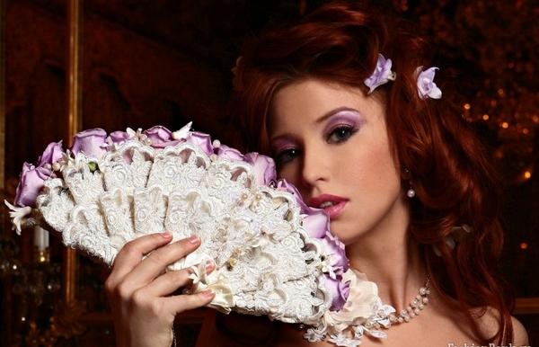 Очень женственно — букет-веер. Фото с сайта gallery.forum-grad.ru