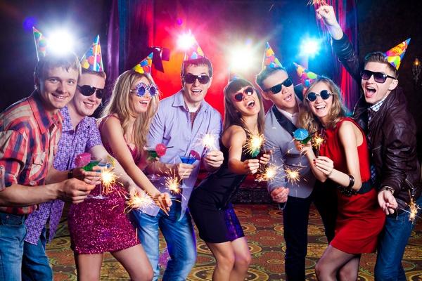 Игры на Новый год: встречаем так, чтобы год был счастливым