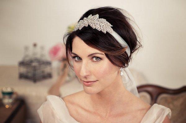 Ободок для невесты своими руками. Фото с сайта amazingwoman.ru