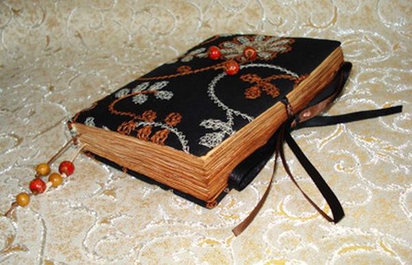 Альбом ручной работы в винтажном стиле. Фото с сайта http://www.ugomon.ru/