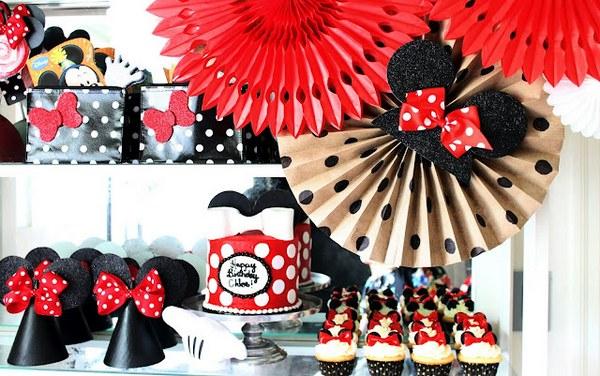 Украшаем помещение. Фото с сайта http://www.artpiknik.ru