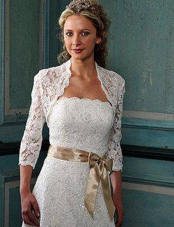 Как выбрать болеро для невесты. Фото с сайта www.conferancie.ru