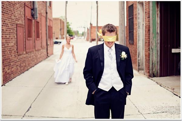 Подарок жениху: счастливые моменты для двоих. Фото с сайта lucky-bride.ru