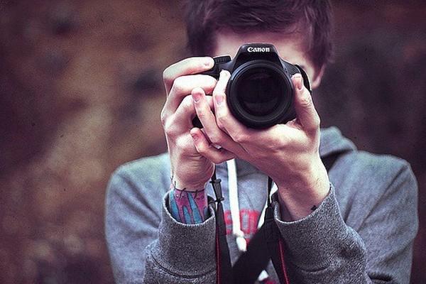 Фотоаппарат в подарок: увлечение творчеством. Фото с сайта myfunnylife.beon.ru