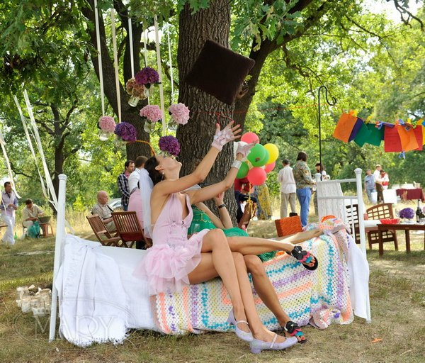 Развлечение на свадьбе — фотозона. Фото с сайта mary55.com.ua