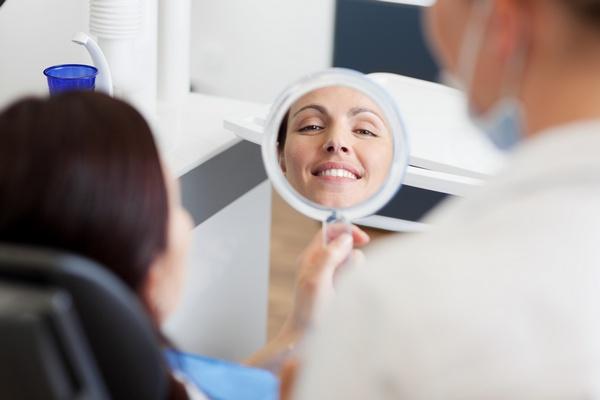 Что такое фторирование зубов. Фото: contrastwerkstatt - Fotolia.com