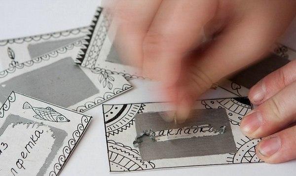 Изготовить интересные билетики можно самостоятельно. Фото с сайта magicaldecor.ru
