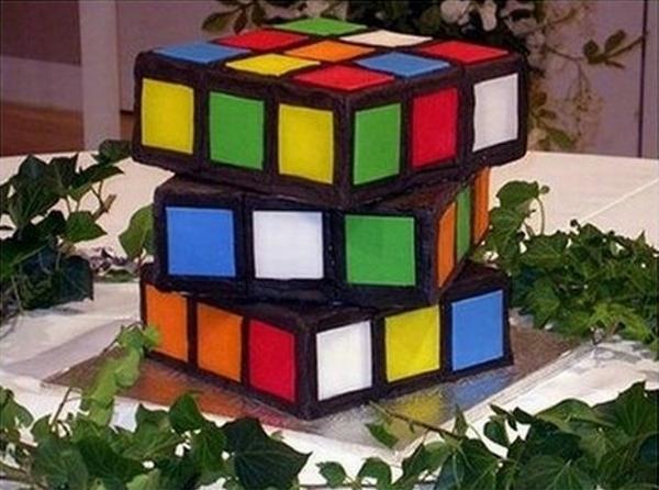 Кубик-рубик, который не собирают, а едят. Фото с сайта tort74.umi.ru