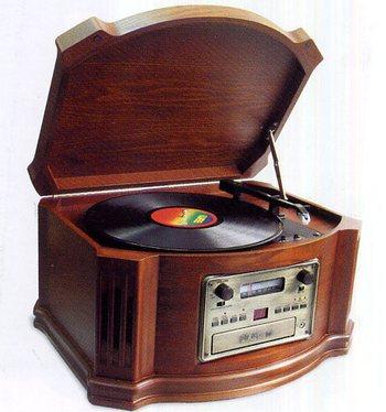 Музыкальный проигрыватель — романтично и необычно. Фото с сайта liongifts.ru