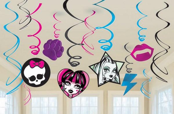 Гирлянды в стиле Монстер Хай. Фото с сайта www.partymarket.ca