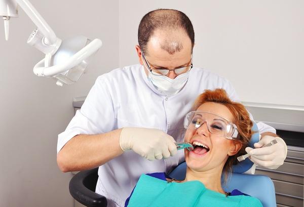 Удаление зуба: цены. Фото: vetkit - Fotolia.com