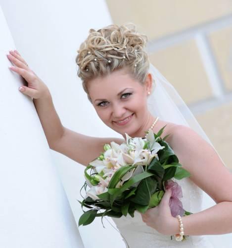 Свадебные прически на каре с фатой фото