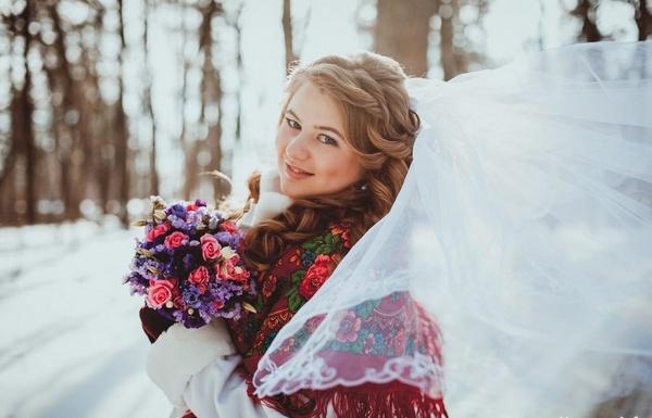 Невеста — русская красавица! Фото с сайта www.nevesta.info
