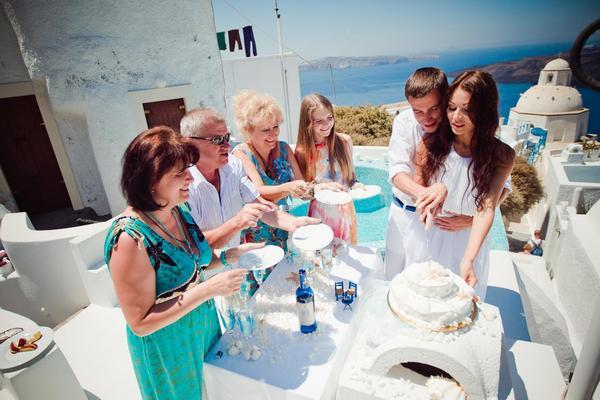 Все подчинено греческому стилю. Фото с сайта www.easyways.com.ua