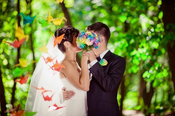 Радужная свадьба для яркой, счастливой жизни. Фото с сайта http://marrymerustem.ru