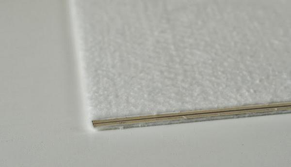 Крепим к папке поролон. Фото с сайта jkdesignstudio.blogspot.com