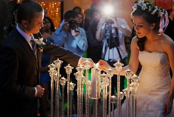 Эффектная церемония зажжения семейного очага. Фото с сайта tumencevshow.ru