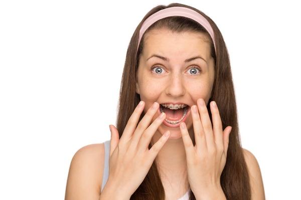 Пришло время снимать брекеты. Фото: CandyBox Images - Fotolia.com
