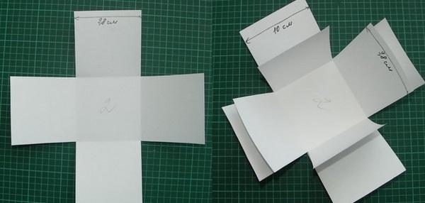 Вклеивам внутрь коробочки дополнительные стенки. Фото с сайта stranamasterov.ru