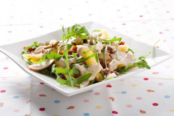 Вкусный, полезный и разноцветный салат. Фото с сайта ivona.bigmir.net