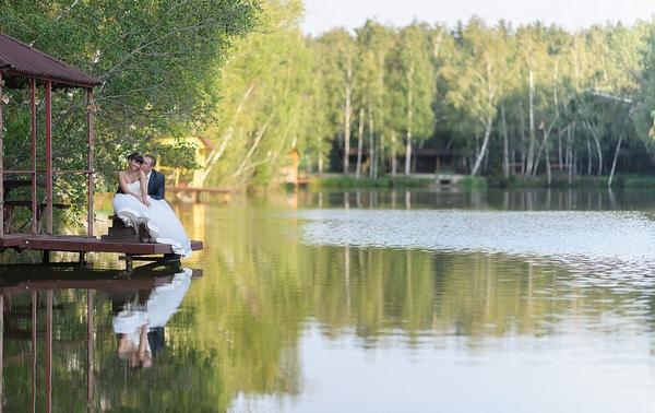 Свадьба на природе — простор для вашей фантазии. Фото с сайта svadba.pro