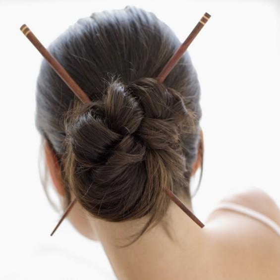 Как сделать причёску с помощью карандаша