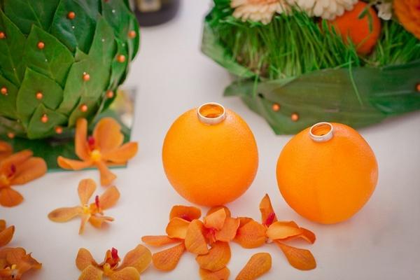 Счастливая свадьба апельсинового цвета. Фото с сайта my-svadba.ru