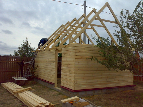 Возведение крыши гаража
