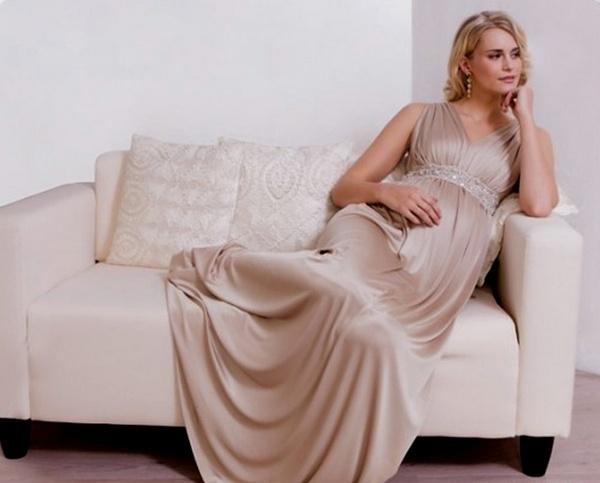 Вечернее платье для беременной — нежное очарование. Фото с сайта az-love.com