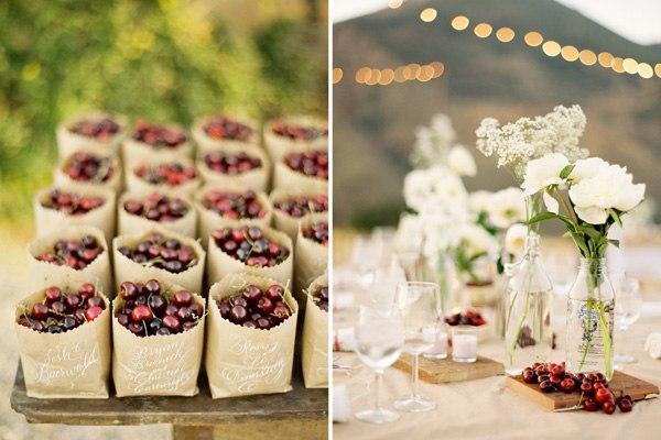 Милый свадебный декор с вишенками. Фото с сайта photowithlove.com