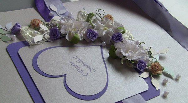 Оригинальная открытка на свадьбу с цветами из ткани. Фото с сайта tatka-makki.blogspot.com