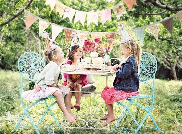 Детский день рождения и яркие краски. Фото с сайта economdecor.ru