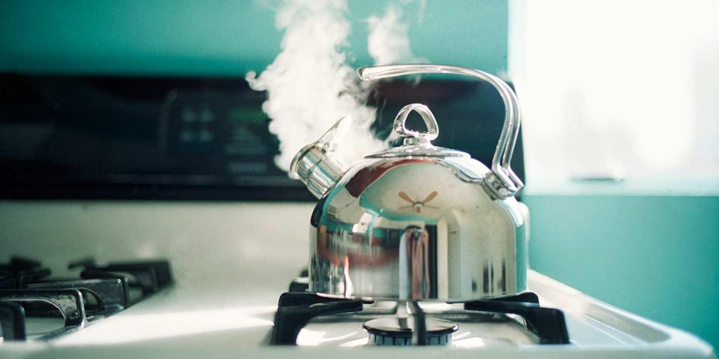 Что делать с чайником когда вся вода выкипит