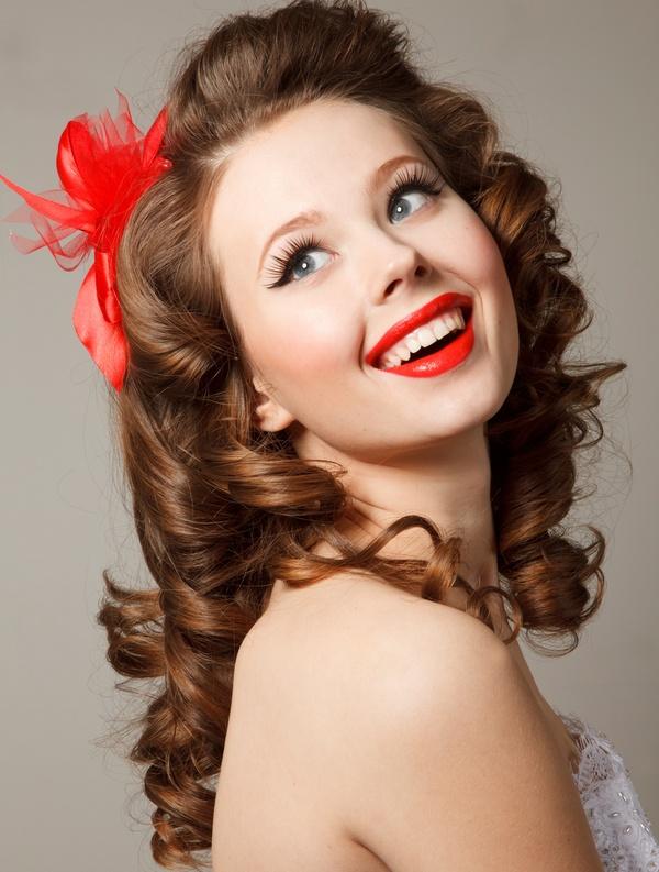 Удлинняем волосы при помощи накладных прядей. Фото: furmananna - Fotolia.com