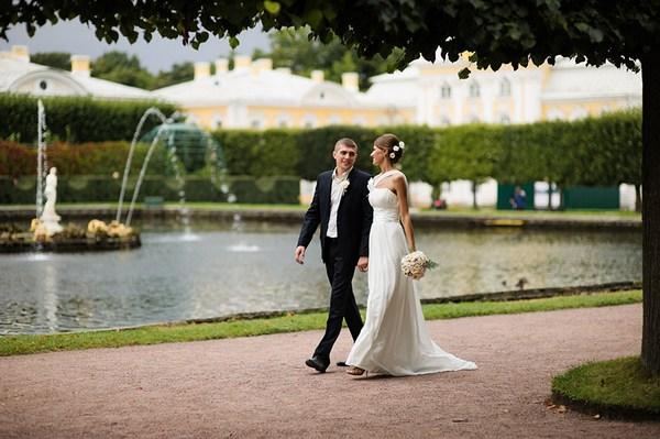 Свадьба в Петергофе: великолепие видов. Фото с сайта poziruy.ru