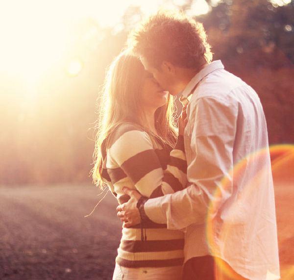 День поцелуя — еще один повод проявить любовь. Фото с сайта rodovoederevo.ru