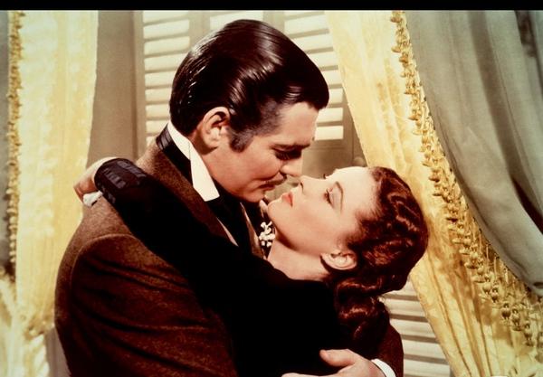 Самый страстный поцелуй в кинематографе. Фото с сайта tonkosti.ru