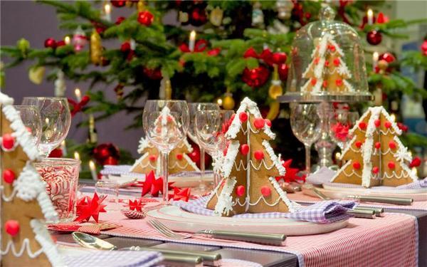 Традиционный красный цвет всегда новогодний. Фото с сайта http://clipartus.ru/