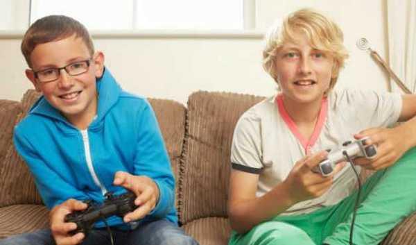 Игровые приставки интересны и подросткам. Фото с сайта fedpost.ru
