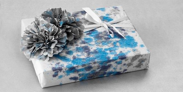 Упаковываем подарок красиво! Фото с сайта raboteshtomomiche.com