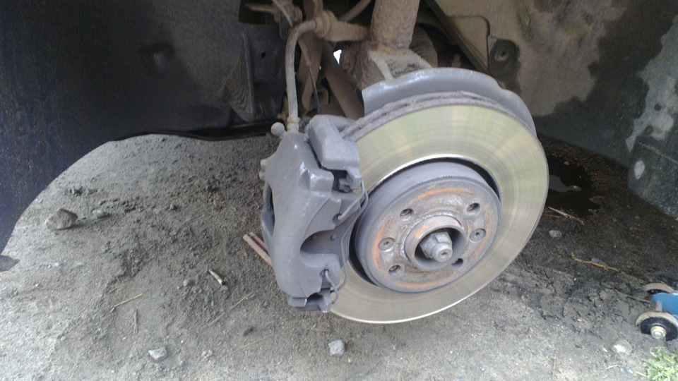 Замена передних тормозных дисков на рено меган 2 своими руками 60