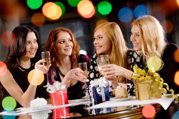 Как сделать сюрприз подруге: устроим день рождения! Фото с сайта svadbarius.ru