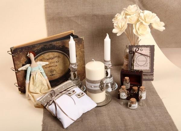 Аксессуары для свадебной церемонии: оригинальный декор. Фото с сайта marzipan-decor.ru
